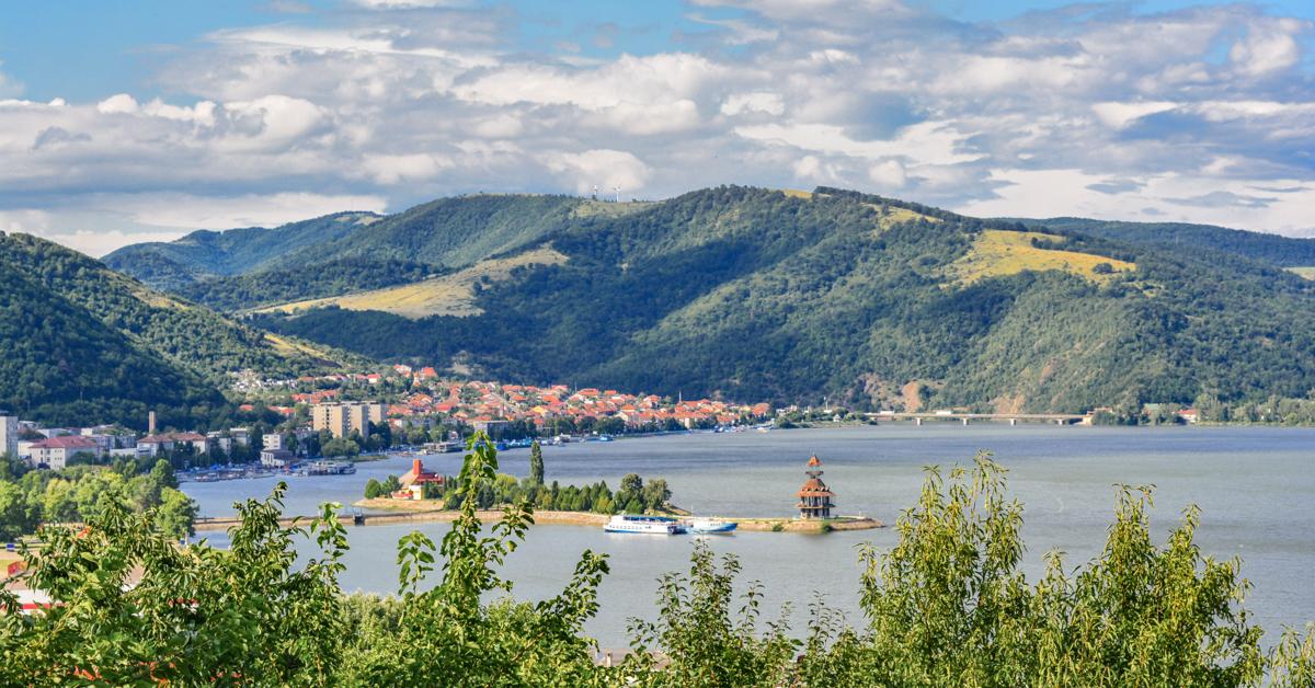 8 idei pentru vacanța de vară în România