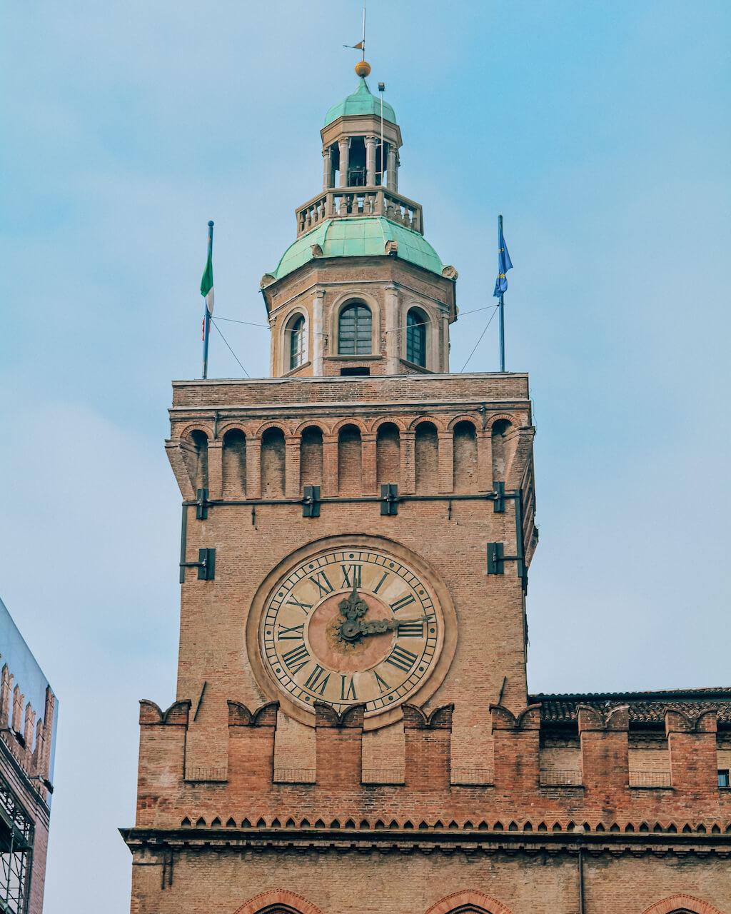 Bologna-palazzo-comunale