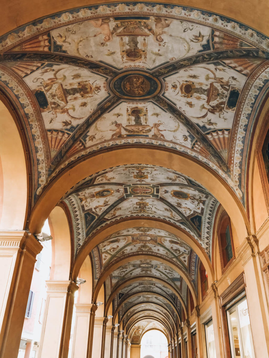 Bologna_Portico_loculdelageam