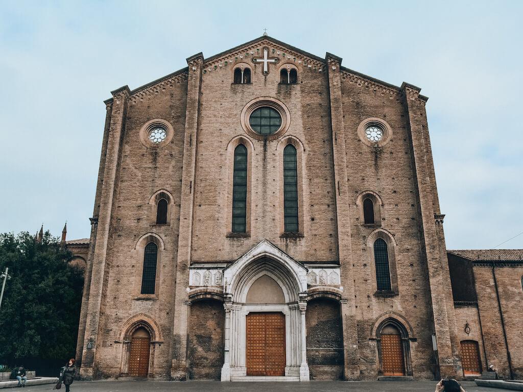Bologna_Basilica_loculdelageam