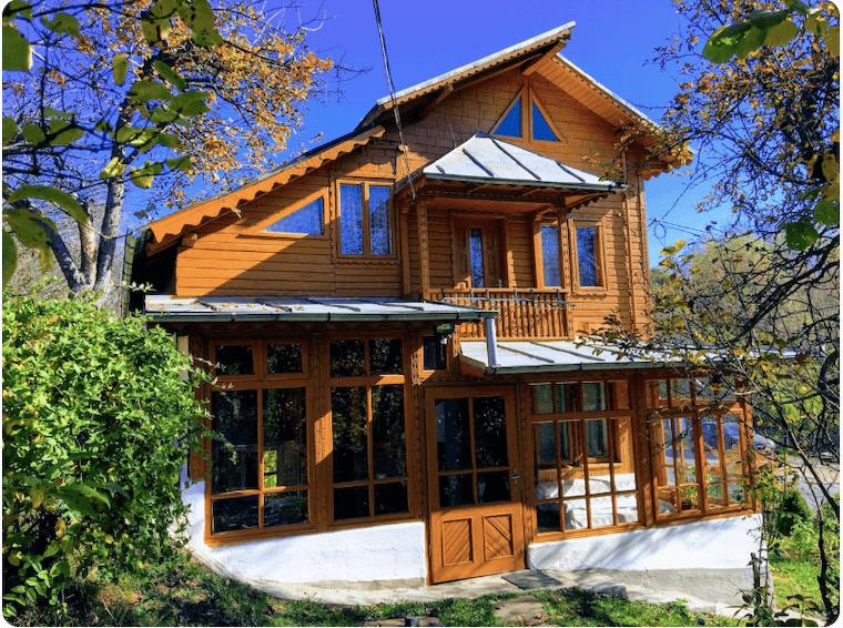 Casa-Spiridon-cazare-airbnb-romania-loculdelageam