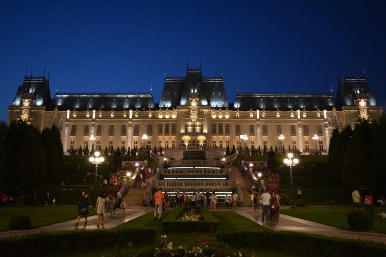 Iași-Palatul-Culturii-loculdelageam