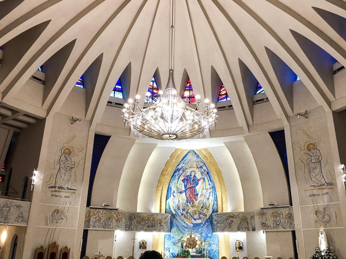 Iași-Biserica-Catolică-loculdelageam