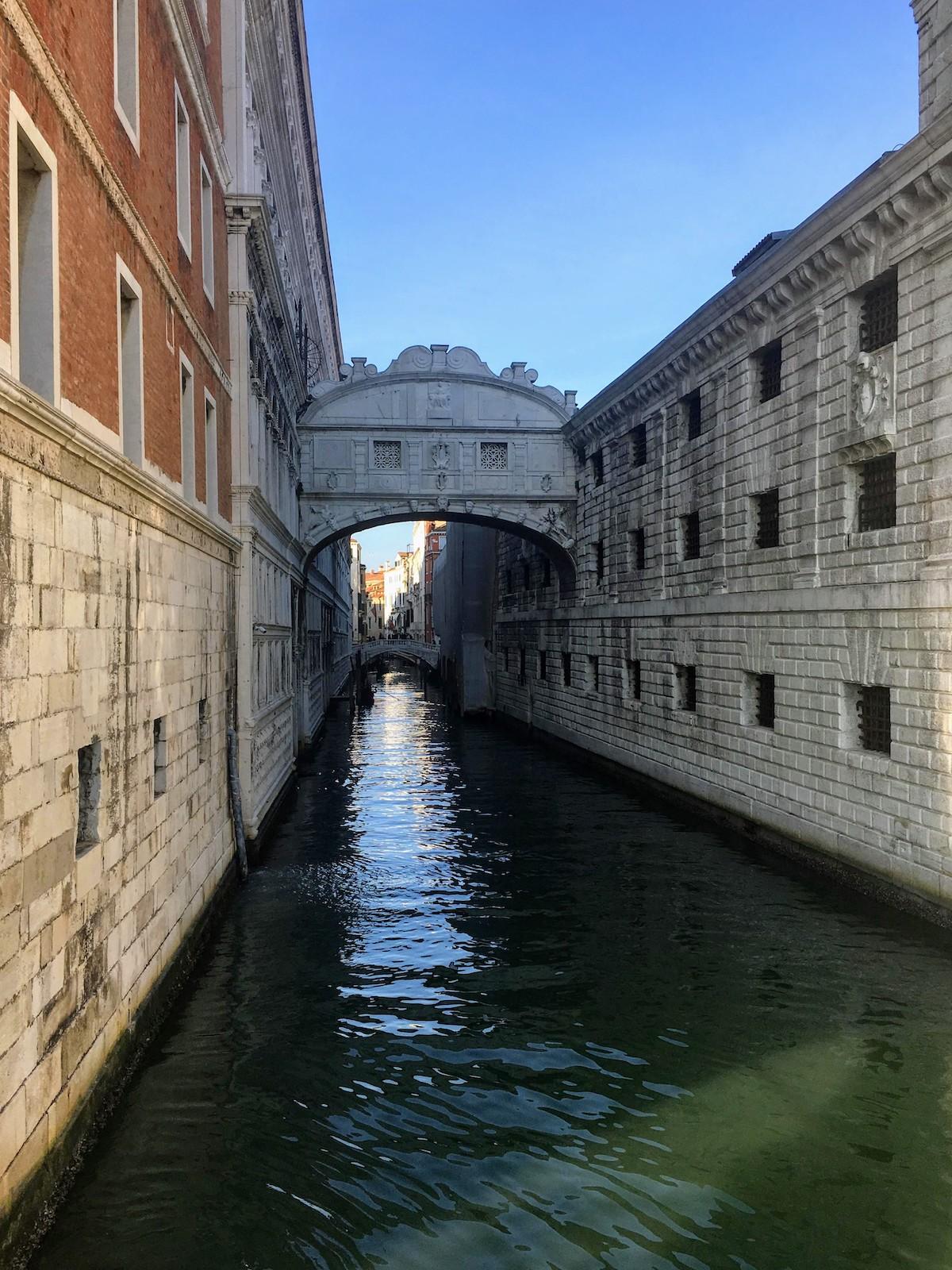 Veneția-Italia-Puntea-Suspinelor-loculdelageam