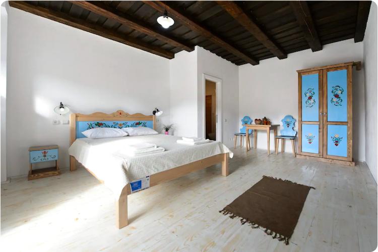 cloasterf-haus-cazare-airbnb-romania-loculdelgeam