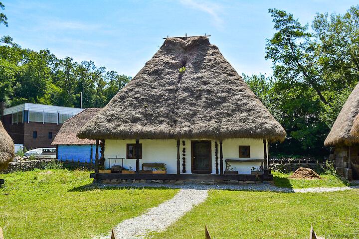 Muzee Aer Liber România: Muzeul Astra Sibiu