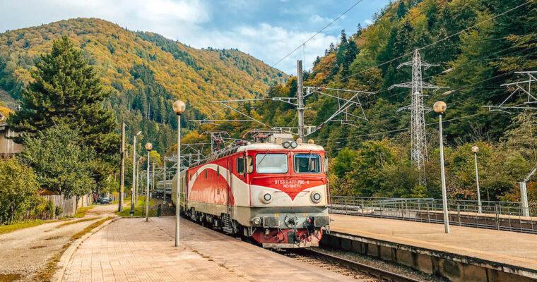12 locuri faine unde poți ajunge cu trenul din București