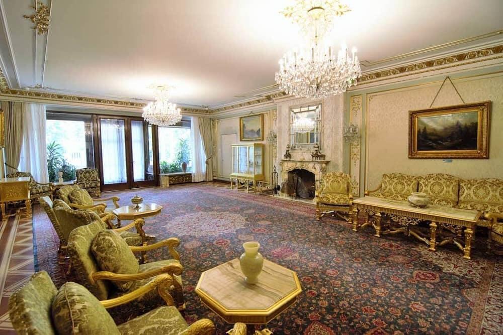 palatul-primaverii-casa-ceausescu-bucuresti-vizita-locul-de-la-geam (1)