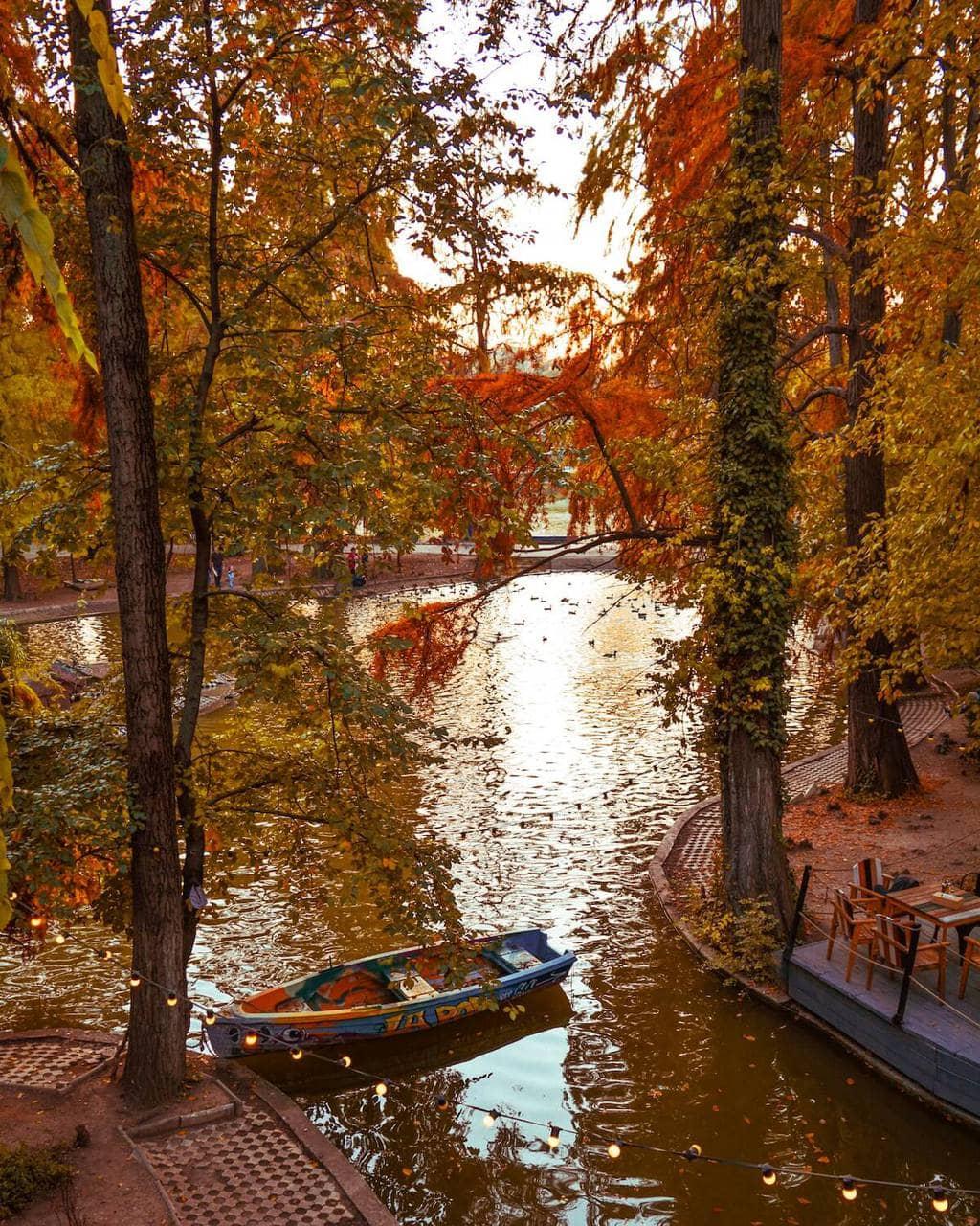 parcul-carol-bucuresti-turist-vizita-locul-de-la-geam2
